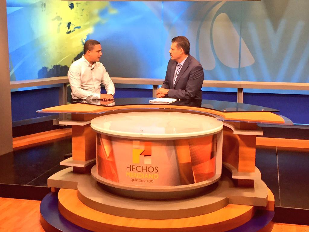 En entrevista en el estudio con @jmartinsamano el Dip. Federal y presidente del PRI en el estado @raymundoking http://t.co/gnV0kcSiQX