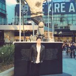 Way to pull through tonight @LAKings Got a pic in front of the new Robitaille statue http://t.co/FDBFRxs9oo http://t.co/ffZl8xfPcO