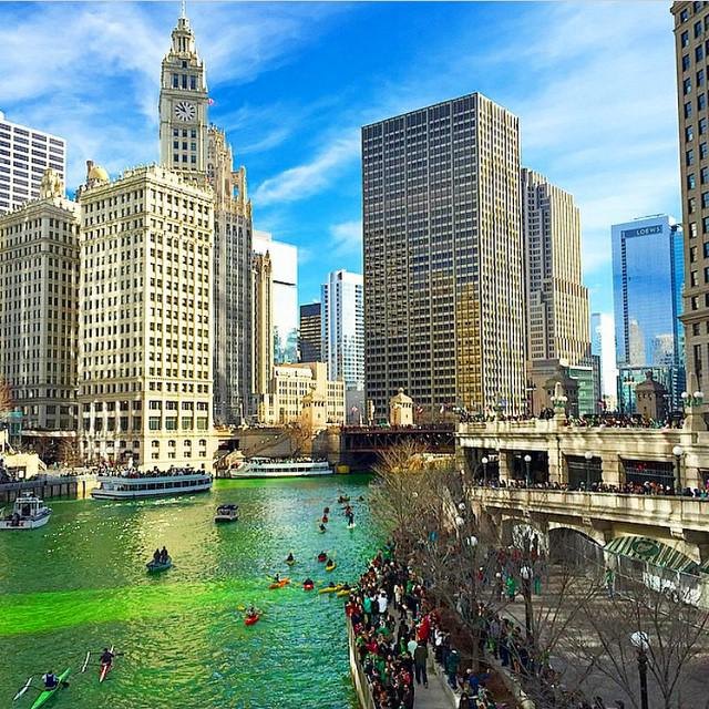 #Didyouknow that the Chicago river is dyed green every year to kick off #StPatricksDay celebrations? Cray. http://t.co/9GwZZ6SXqw