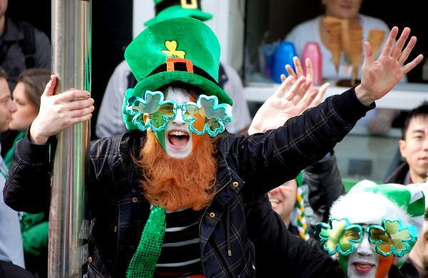 Día de san Patricio, así es la marea verde en Dublín: http://t.co/Q6Pr1mN9sc Felicidades a todos los irlandeses http://t.co/ffJ1pHGcuF