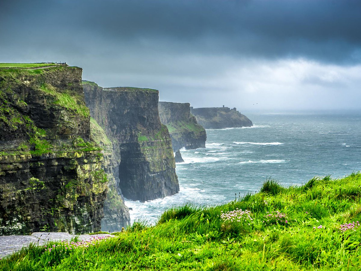 A l'occasion de la Saint-Patrick, découvrez nos 10 bonnes raisons d'aller en #Irlande http://t.co/xX76s4uFCg http://t.co/WwAScWDNHG
