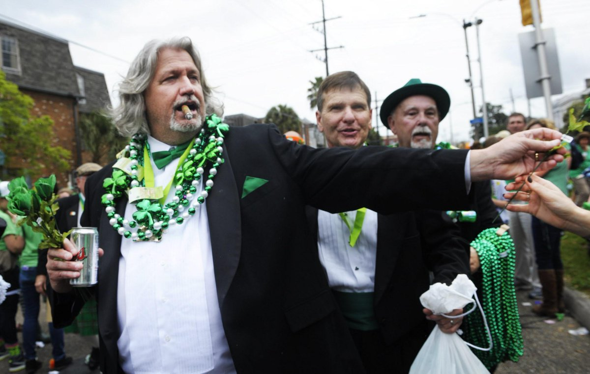 In a time of division and strife, I think we can all agree on one thing: We'd all rather be Rob Ryan right now http://t.co/jNKv5EVswg