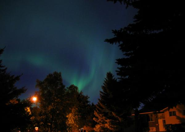 A powerful geomagnetic storm could make it possible to see #NorthernLights tonight. Look up! http://t.co/CyJLLVGHtg http://t.co/kd37GME8nf