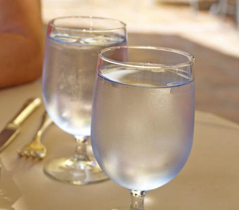 To raise awareness of #CADrought, restaurants will serve water only when diners ask http://t.co/tXzbJ5uIFB @SFWater http://t.co/afbB2T6omC