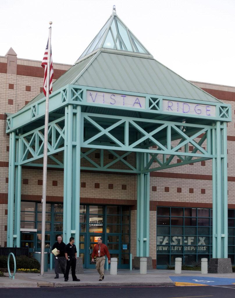 Lewisville's Vista Ridge Mall is facing foreclosure http://t.co/ClVebGTxlF http://t.co/Sdkchkx4FN
