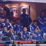 La selección Argentina de futbol alentando a Luis Scola en el partido de los Pacers vs Washington Wizards http://t.co/SxTxX5Bqwe