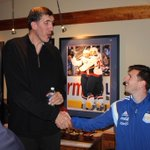 Former NBA center Gheorghe Muresan is much, much taller than Leo Messi. (via @MonumentalNtwrk) http://t.co/wcrIZOdCR3