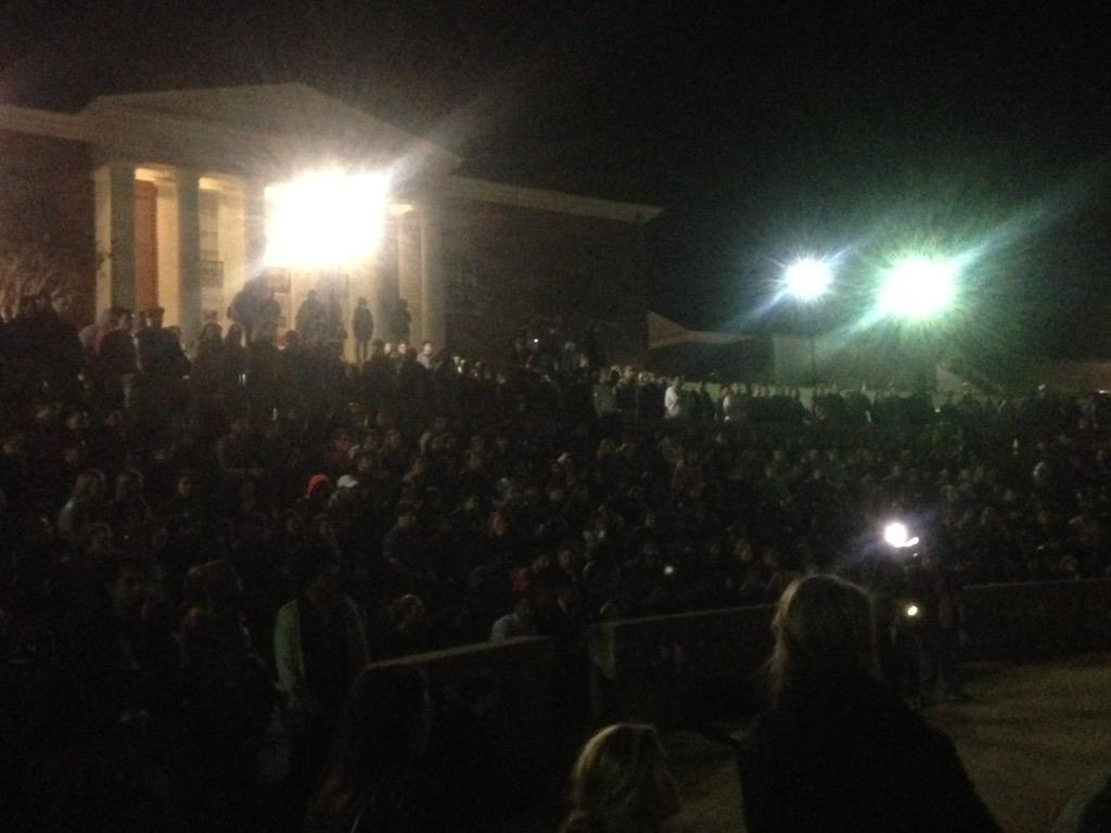 PHOTO: rally right now at UVA http://t.co/NCR6vmSDkr