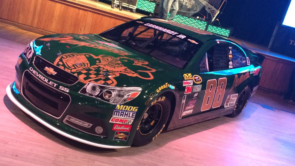 PHOTO: Up close photo of the   @MountainDew #DewShine Paint Scheme @DaleJr will drive at Bristol. #ItsBristolBaby http://t.co/FD4oWBKzgt