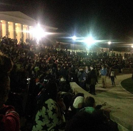 Bossip (@Bossip): Crowd gathered at #UVA tonight to protest police beating of black honor student Martese Johnson. #JusticeForMartese http://t.co/8SDlpIdifF