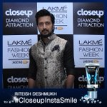 RT @CloseUpIndia: @Riteishd the man himself looking absolutely dashing with his #CloseupInstaSmile. Hot. Hot. Hot. #LakmeFashionWeek http:/…