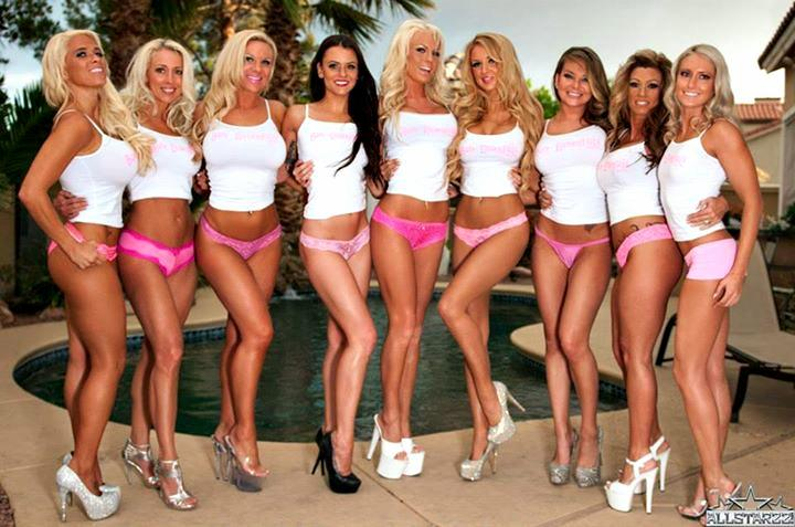 #TBT Sandwiched The ALLSTARZZ Shoot Out In Las Vegas ? #BikiniBabes #BareEssentialsMagazine #LasVegas