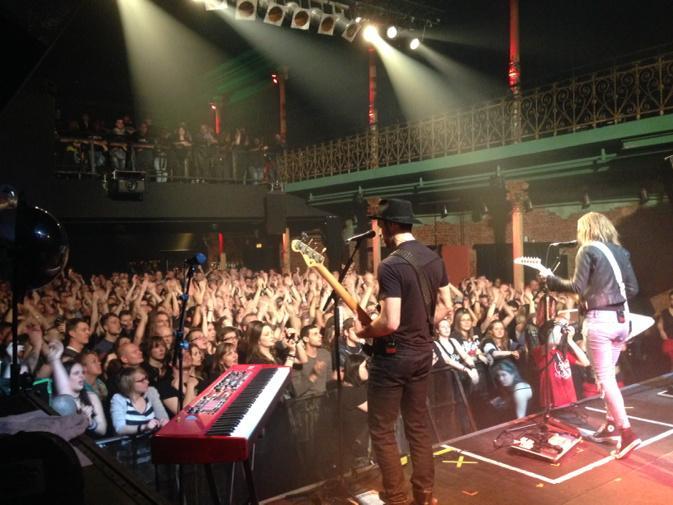 Full house tonight in Hamburg!! http://t.co/AHxqjrHFgP