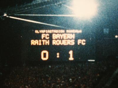 This was mentioned on Superscoreboard last night, half time scoreboard in Munich 1995, football has changed a bit. http://t.co/XjSaTPix19