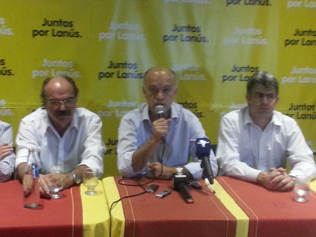 """Es posible el cambio. Lanzamiento del interbloque """"Juntos por Lanús"""" @mauriciomacri @mariuvidal   @proargentina http://t.co/iBAqYQisHI"""