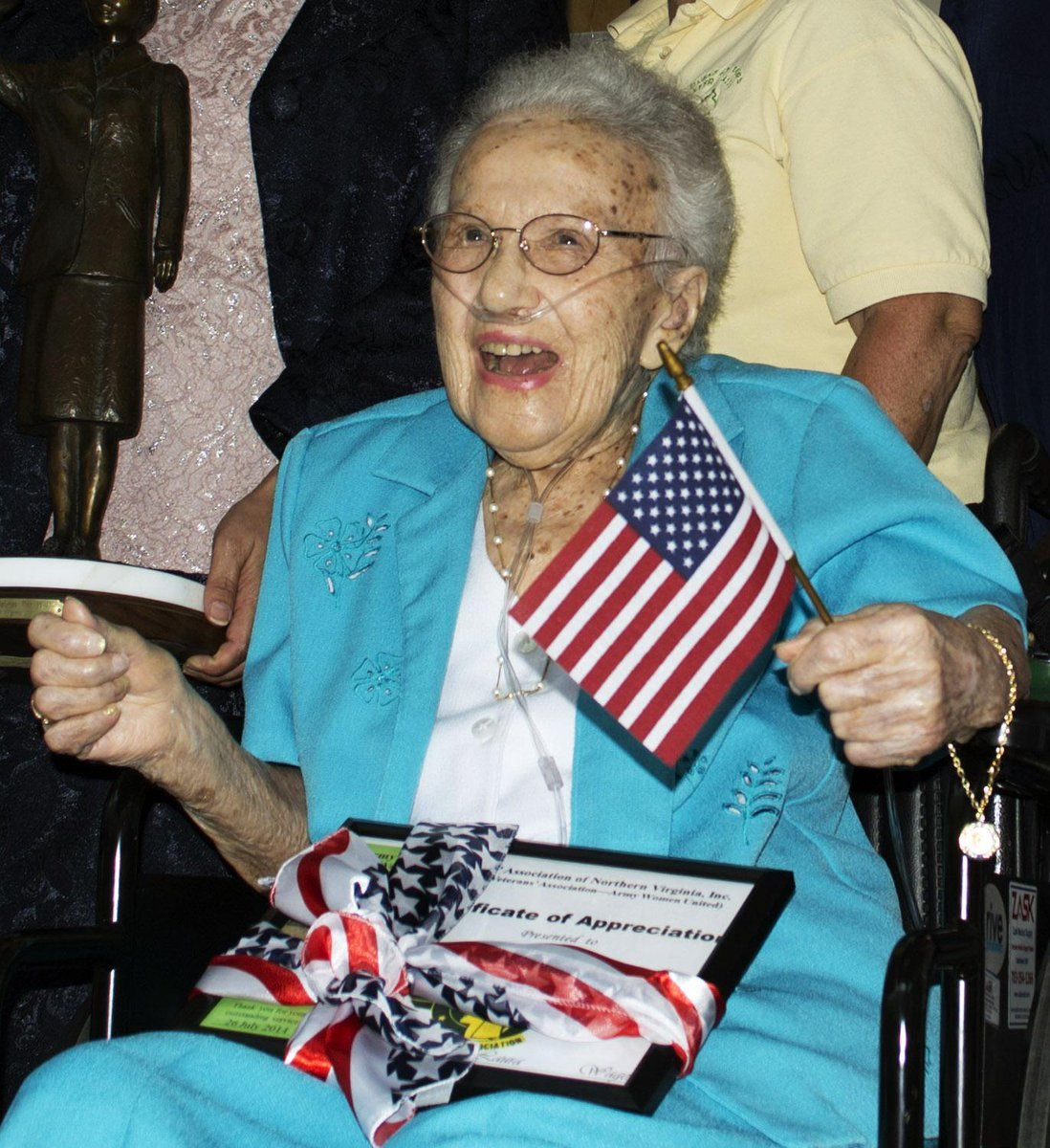 Lucy Coffey, oldest female US #veteran, dies at 108: http://t.co/MNlfmFqwMr #salute #rip http://t.co/UJ0ByibbyP