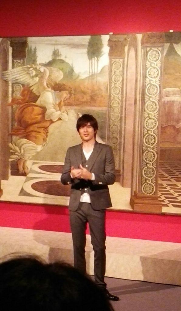 明日から渋谷のBunkanura ザ・ミュージアムで始まる「ボッティチェリとルネサンス フィレンツェの富と美」の内覧会に来ています。内覧会に先立ち音声ガイド・ナビゲーターの城田優さんが会場で同展の魅力をアピールされました(*^O^*) http://t.co/kqF4AKLjKr