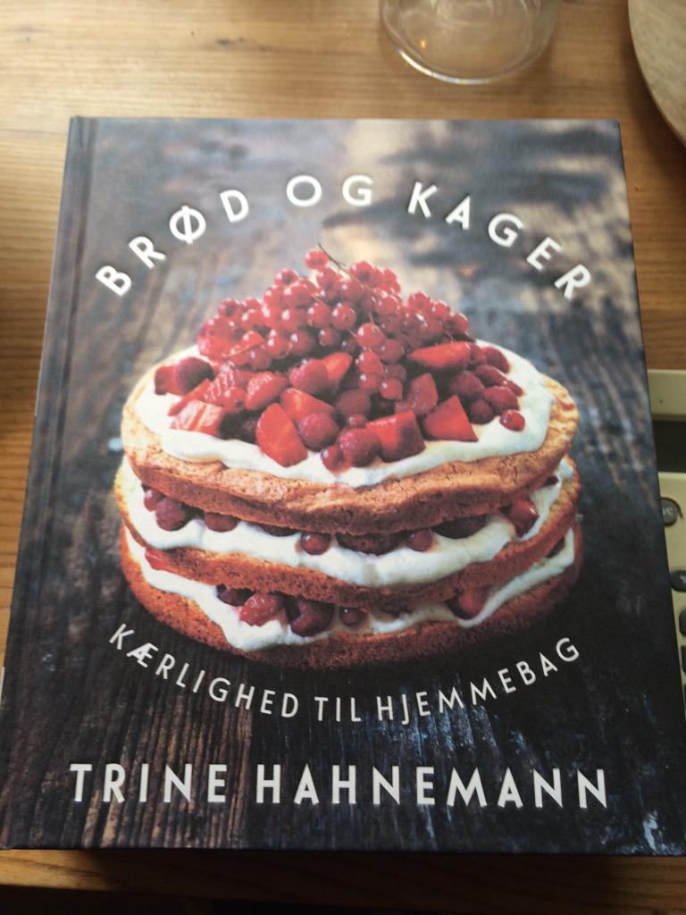 Today my baking book is coming out in Danish in Denmark! Celebrating @ThiemersMagasin @QuadrilleFood @hhbagencyltd http://t.co/S8kzyo8RaA