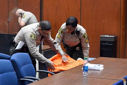 Suge Knight collapses in court after bail set at $25 million in fatal hit-and-run case