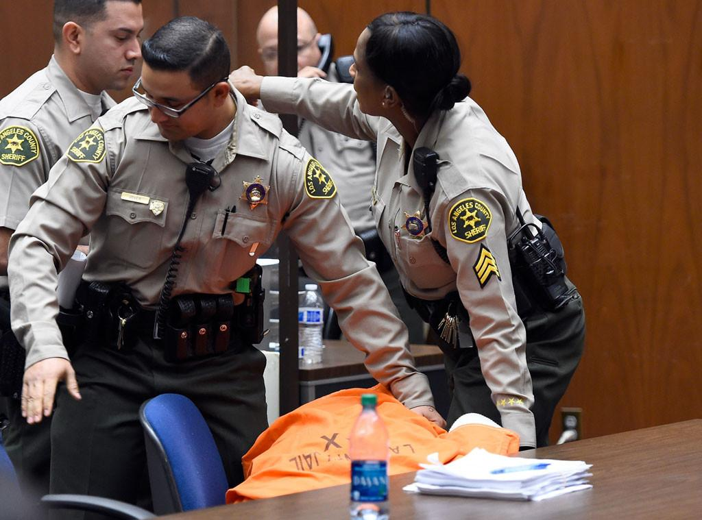 Suge Knight has collapsed in court after his bail is set at $25 million in the murder case: