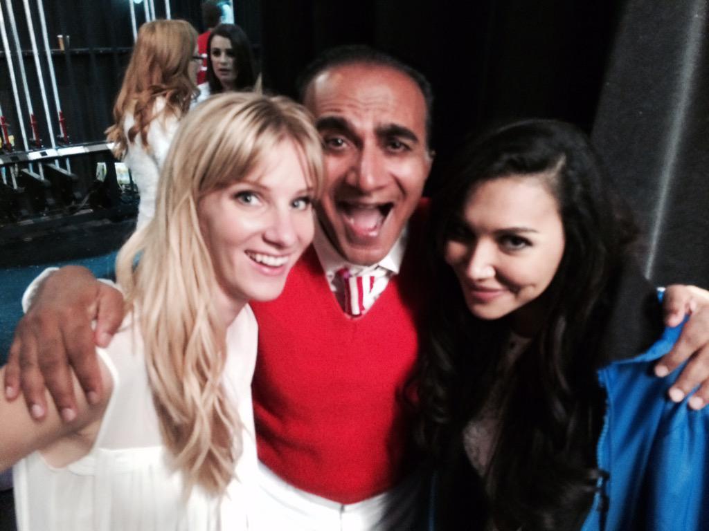 #TeenLesbians2015 #GleeFinale @GLEEonFOX @HeatherMorrisTV @NayaRivera http://t.co/h3Dc9l8cb9