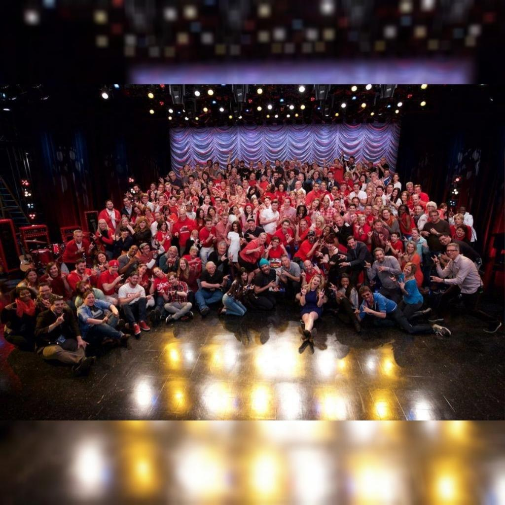 A farewell from the cast and crew of #Glee. http://t.co/jxZfJtdYpY