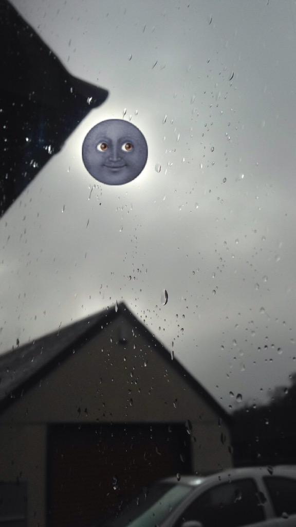 The solar eclipse today was giving off some serious shade http://t.co/xMYn6mpzuj