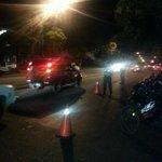Presencia policial en la Av Pedro León Torres -Barquisimeto http://t.co/A5bkyzbzQa