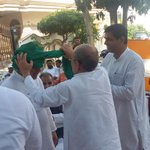 RT @yatinder9: Dr @Swamy39 in Muzaffarnagar at Jat Sabhas. Grand welcome & pagri from Jat samaj was also tied. @jagdishshetty http://t.co/O…