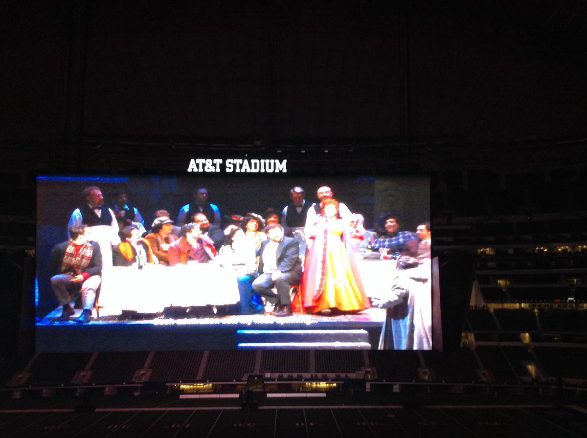 La Boheme well underway at the Simulcast! It's amazing! http://t.co/bo1P31AbAn