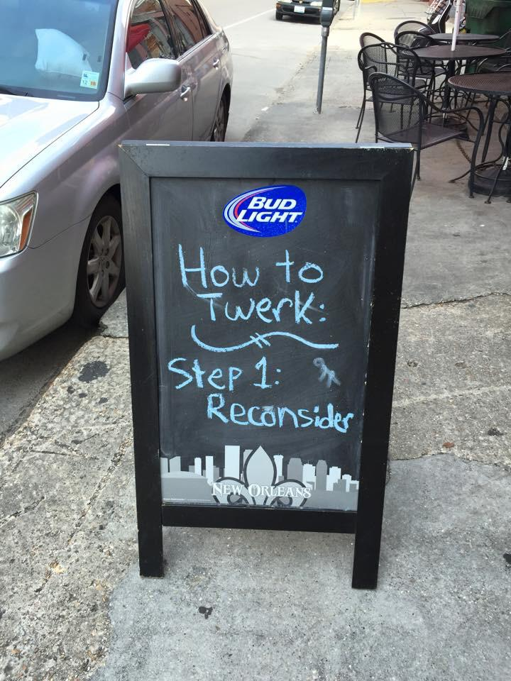 The best humor comes on signs outside bars: http://t.co/3pbjCnhp9V