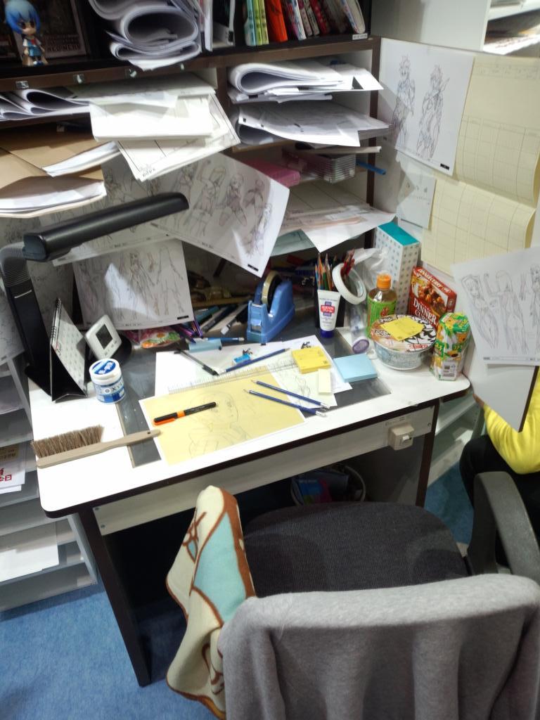 アニメーター見本市ブース 作画机がリアルw http://t.co/UpJ3lyjxKU