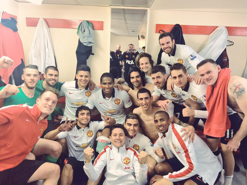 Yees!!! Amazing win!! A great day to remember!!! This one is for you! All together, we are a TEAM! @ManUtd http://t.co/gM7b5Z39ZH