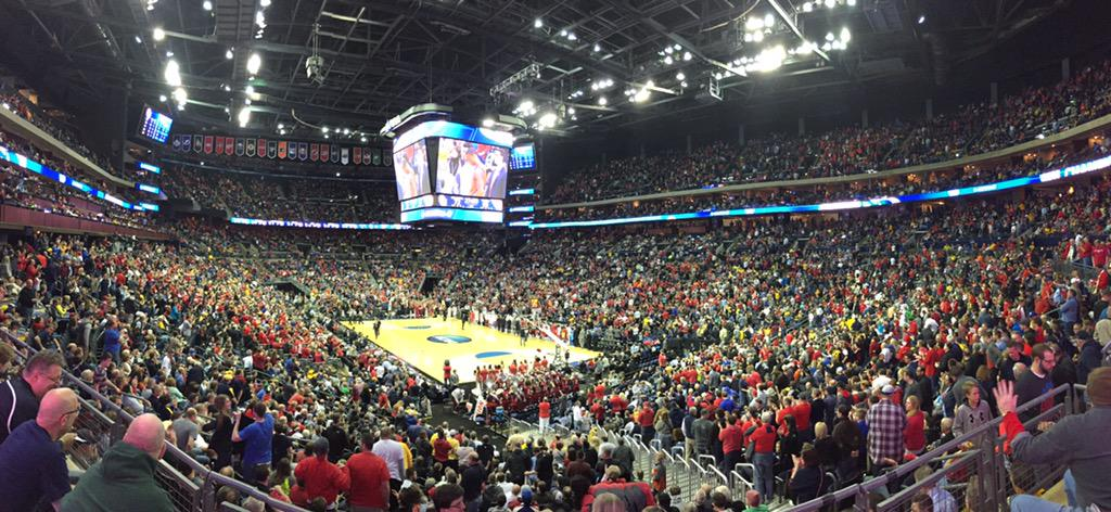 #FlyerFathful are on their feet to thank @DaytonMBB for a great season. #AllForOne #NeverGiveUp http://t.co/jGakt9CIQF