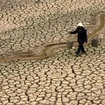 RT @JimHarris: 28,000 Rivers in China GONE Due to #Climate Change! http://t.co/cUFnc2l4Ka #WorldWaterDay #climatechange
