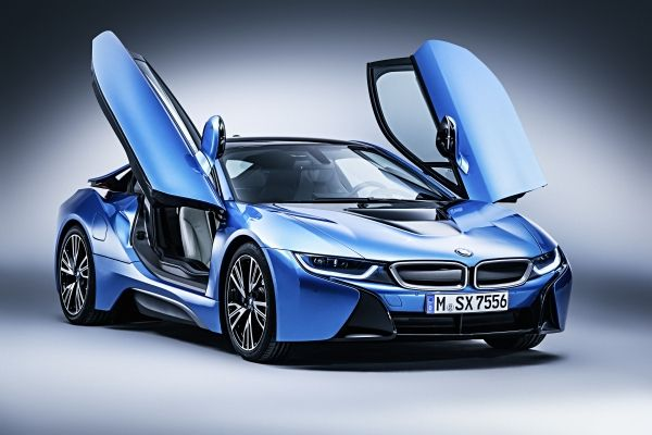 BMW i8 presented with the World Green Car Award. http://t.co/PaG0nSy8Y7 #BMWGroup #BMWi8 http://t.co/8i6UINPPZC