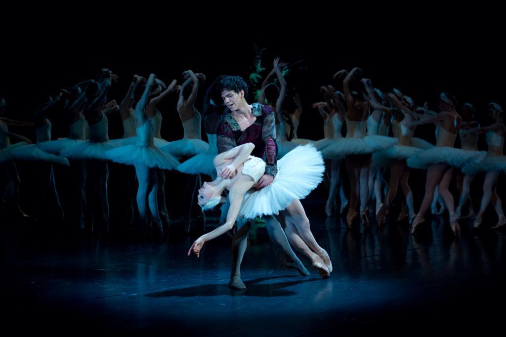 RT @CaseyHerd: A photo I took of the amazing @IsaacHdezF & @JurgitaDronina in Swan Lake #ballet #dance #art #theatre #photography http://t.co/ZNwfXX6BN4