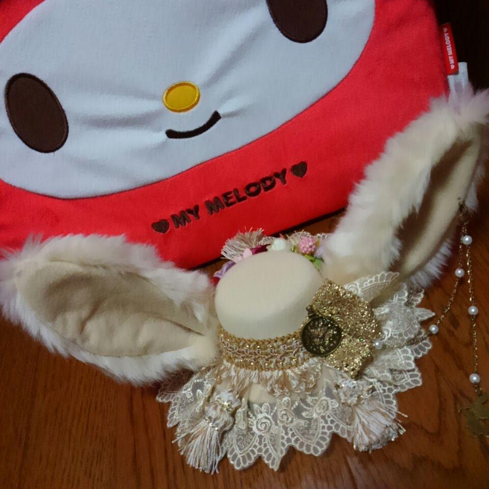 今日はアラモに行ってきました~♡ ずーっと欲しかったStrawberryDecadenceさんのうさみみハット!!可愛くてずっと眺めていられる…前も後ろも可愛い……(*´˘`*)♡ http://t.co/tapSpCU94b