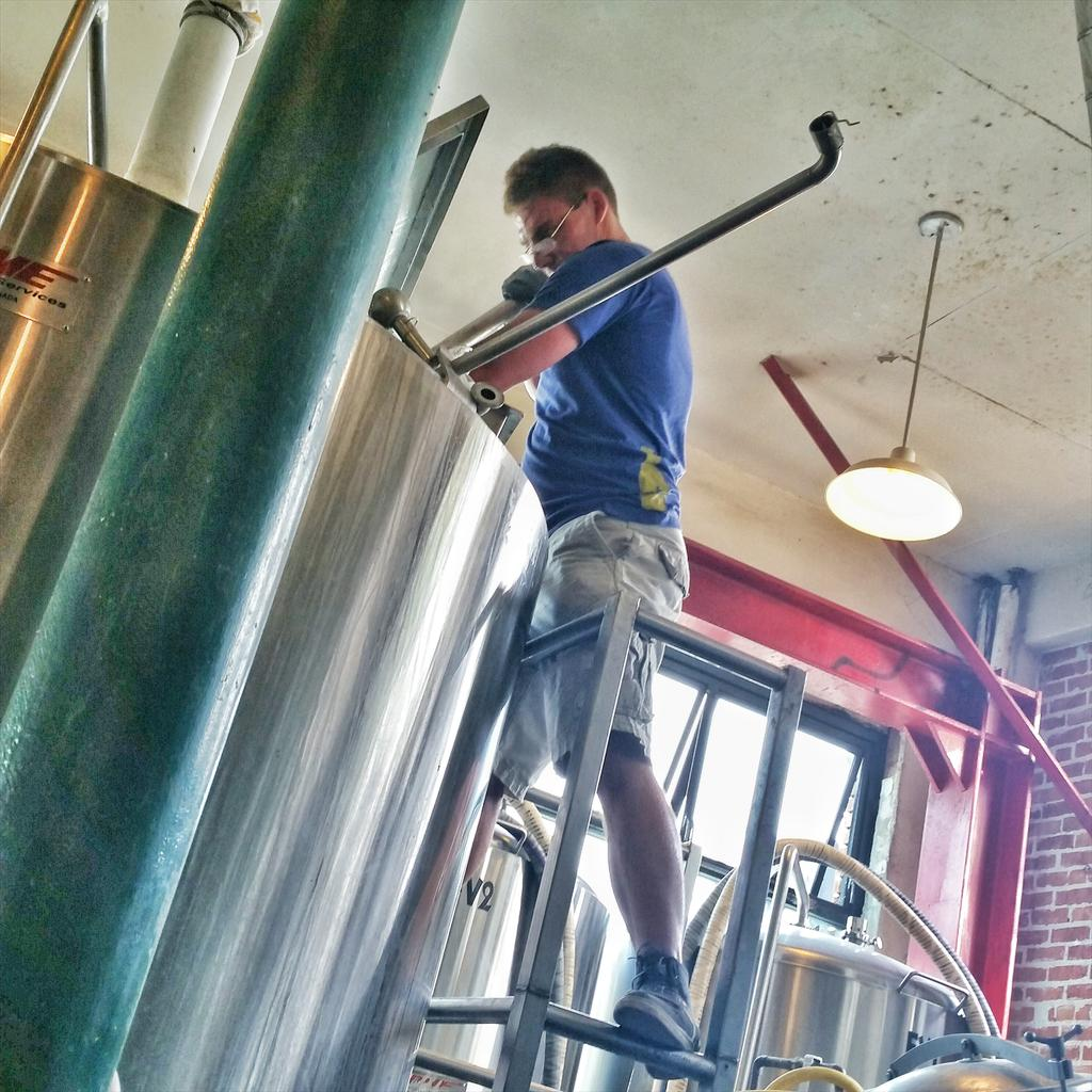 Working hard this Easter on a #collaboration brew out at @pizzaportCbad #craftbeer http://t.co/Y8Z08vA7Jf