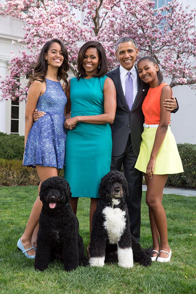 Obama family portrait on Easter Sunday: http://t.co/cX5Tdd0xOn http://t.co/T0i6y2qvAM