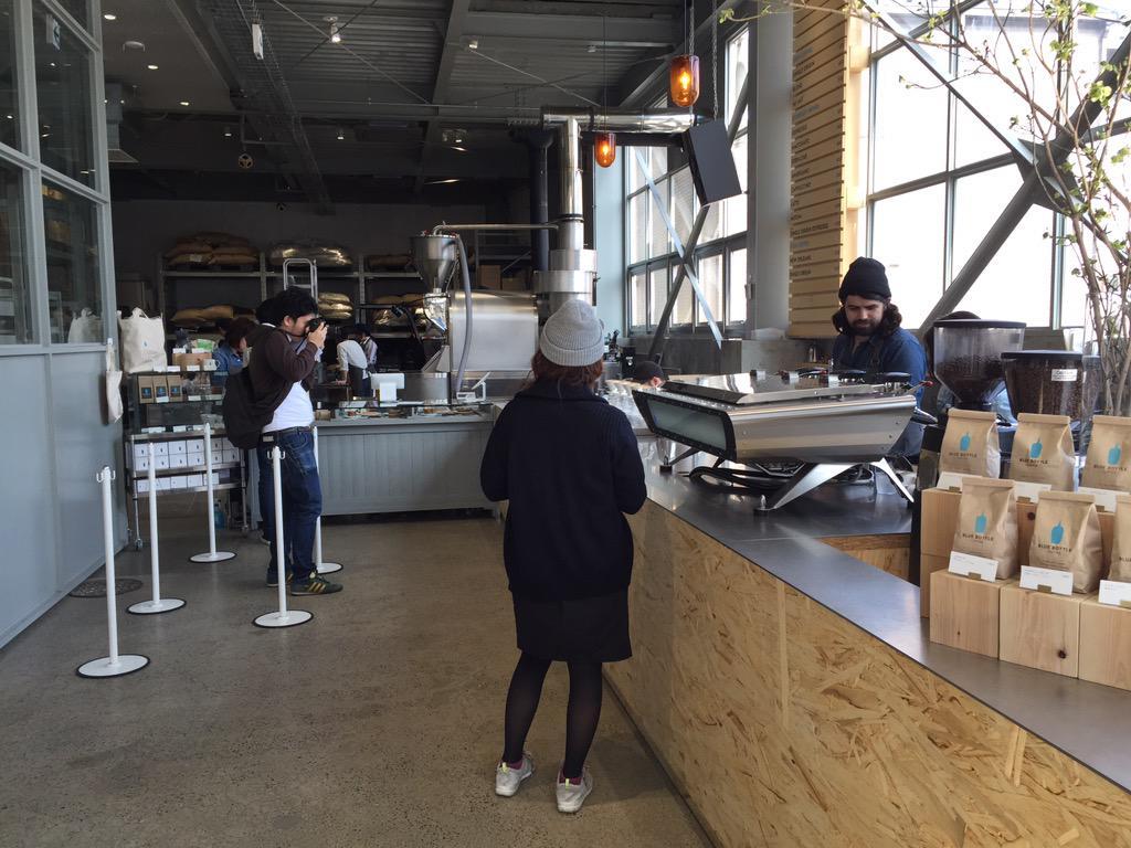 やっと朝立ち寄れるカフェになった。 http://t.co/whstPBl00P