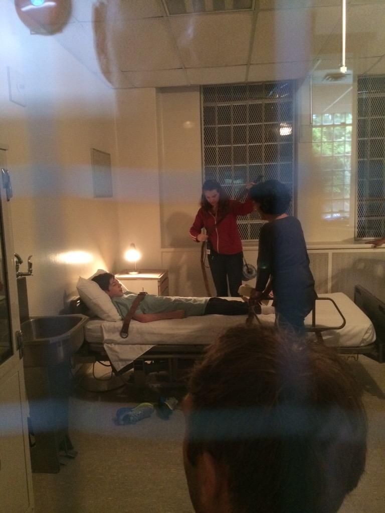 It was so creepy filming in a real mental hospital! #IfThereBeThorns #BTSwithMason http://t.co/nqFGDrUwtW