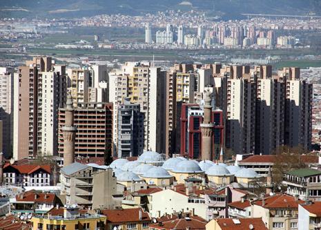 Osmanlı kenti Bursa ve 1400 yılında tamamlanan 20 kubbeli ULUCAMİ manzarası 2015 yılında. Görebiliyormusunuz? Bravo http://t.co/evnSGkIt0K