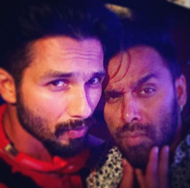 "Photo: ""Easter celebration with my buddy !! #happyeaseter"" Via @BoscoMartis https://t.co/LKD9xy1v8f @shahidkapoor http://t.co/8WR60DnnJJ"