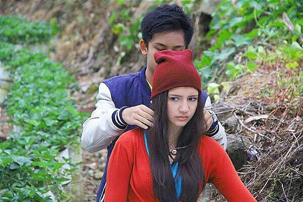 Cassandra Sheryl Lee (@cassandrasleee): 'Saat aku butuh Kamu,km kadang ada  kdg tidak.You don't understand me'Rain on Fahri @RandyMartin98 #RainTheSeriesSCTV http://t.co/O6bA7mzkGu