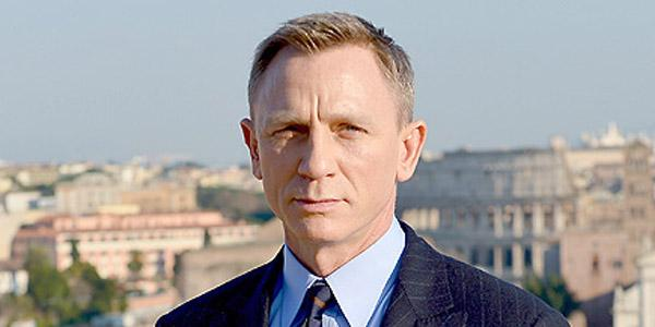 Daniel Craig undergoes surgery after an injury on the set of the new James Bond movie Spectre
