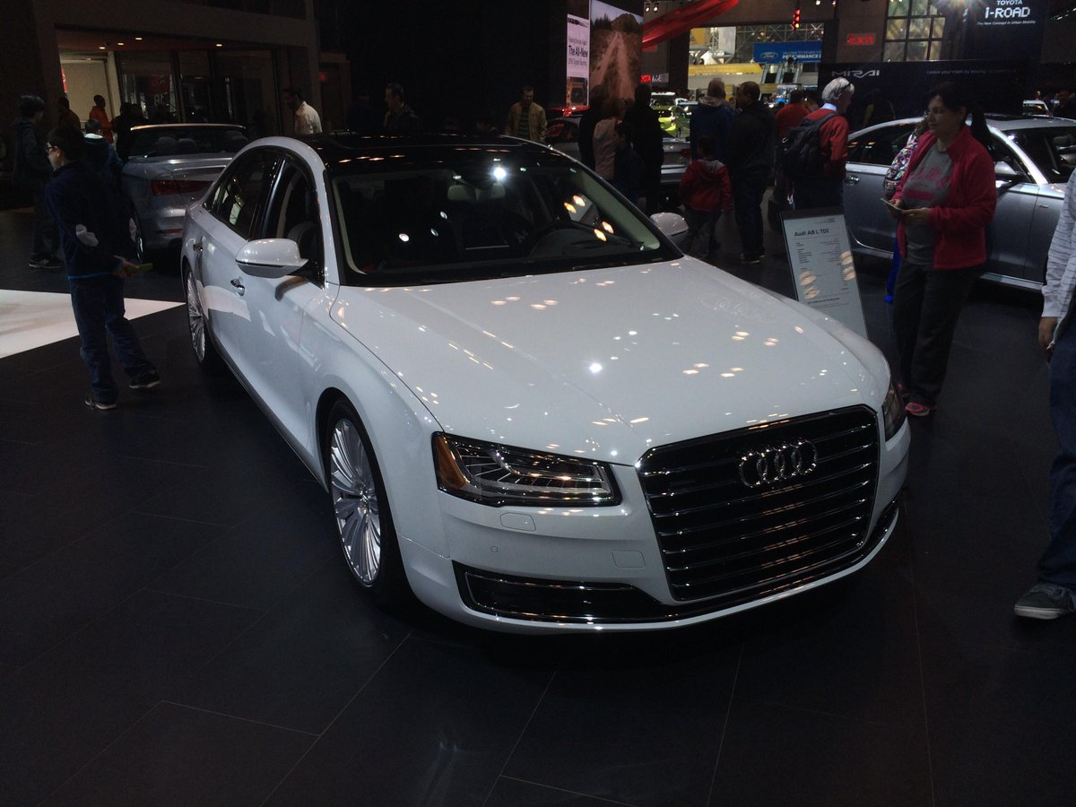 @bigchooch44 This @Audi? Beautiful choice! #NYIAS http://t.co/5r6OA4iQKn