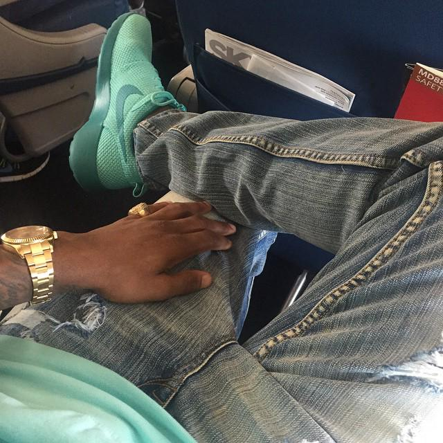 """Style on em'... We spotted @myfabolouslife in the #RWBLAK """"Refab"""" Jean. On sale for $49.99 http://t.co/uAUrF66XaP http://t.co/68KBWHLxB1"""