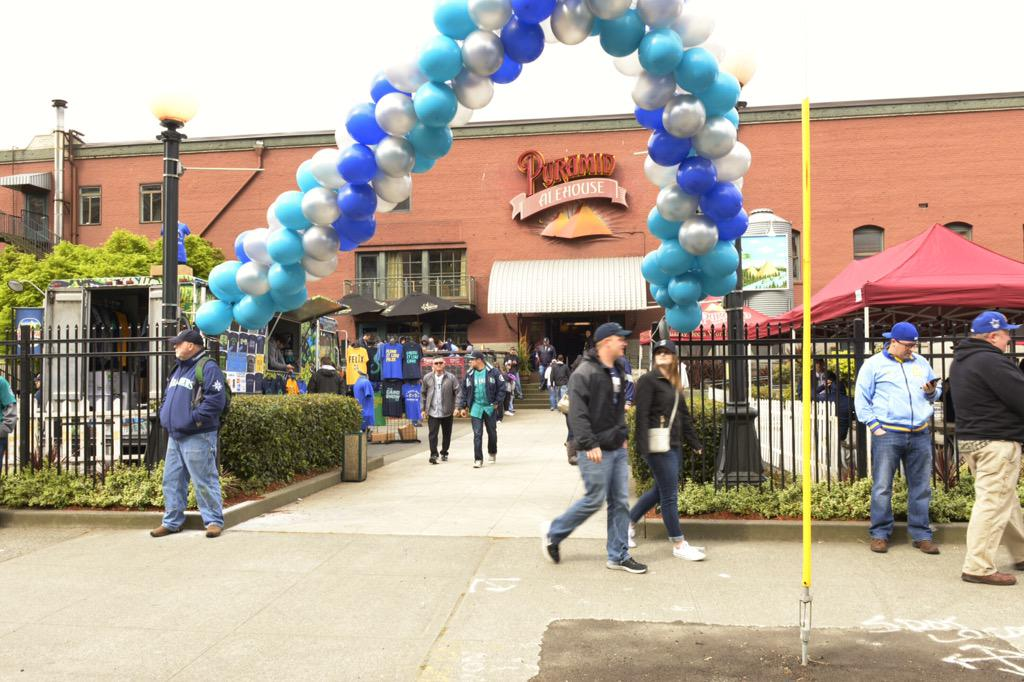 Ahh, the beer garden at @PyramidSEA for the #MarinersOpener. We've waited a long time for this. #OpeningDay http://t.co/kJ0rdiamMk