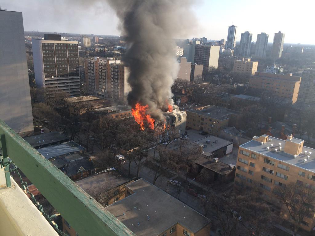 BREAKING: Fire at a building on Hargrave St. in downtown #Winnipeg. (Photo via @caldermuyo) http://t.co/x7XQWVcmeR